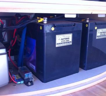 Łączenie akumulatorów szeregowe i równoległe